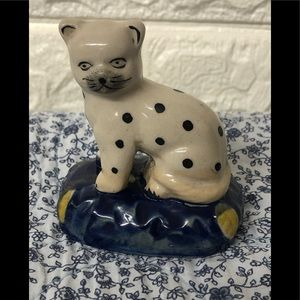Vintage Spotted cat figurine